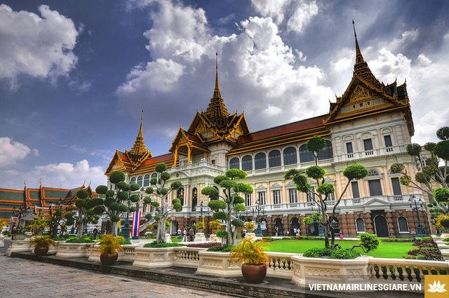 ve may bay di bangkok gia re