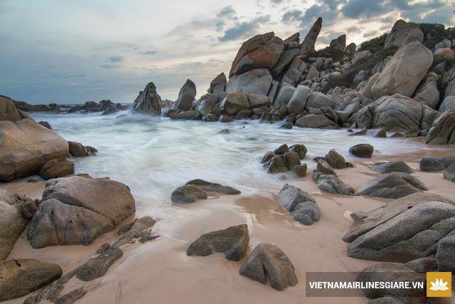 Vé máy bay Vietnam Airlines đi Đồng Hới
