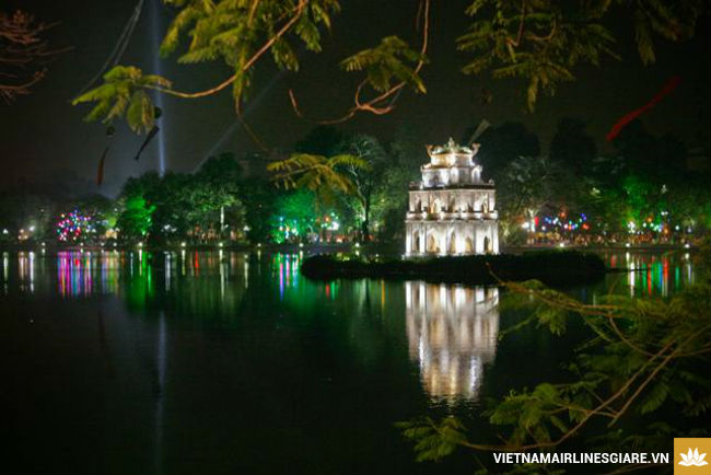 ve may bay di ha noi gia re