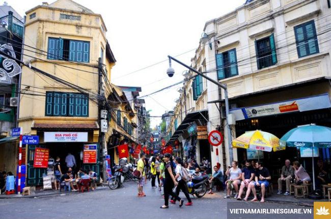 ve may bay di ha noi vietnam airlines