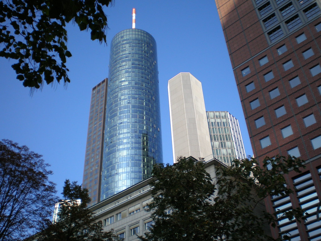 Tòa nhà Main