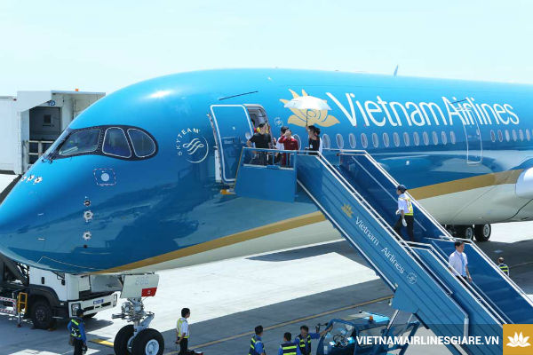 cach mua ve may bay gia re Vietnam Airlines 2