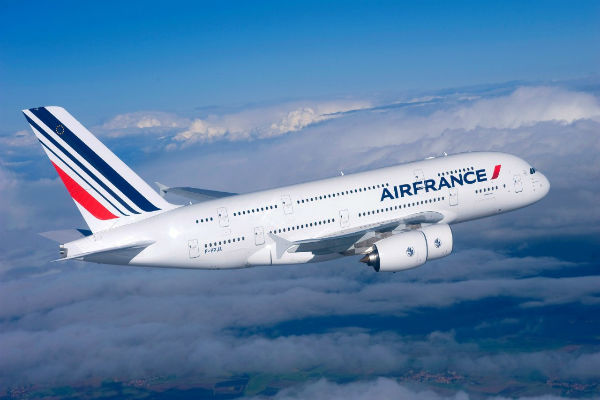 ve-may-bay-air-france-12-04-2017