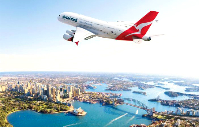 ve may bay qantas airways