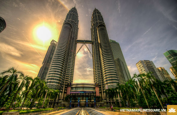 Den-voi-cac-thanh-pho-noi-bat-nhat-Malaysia-1-17-7-2017