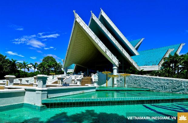 Chiem-nguong-nhung-kien-truc-doc-dao-tai-Malaysia-1-7-8-2017