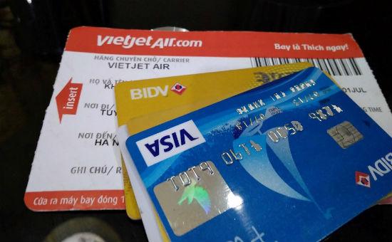 mua vé máy bay qua thẻ tín dụng