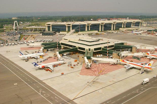 Sân bay ở Milan