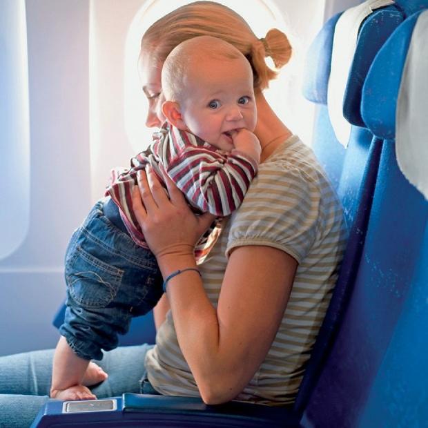 Giá vé máy bay Vietnam Airlines cho trẻ em