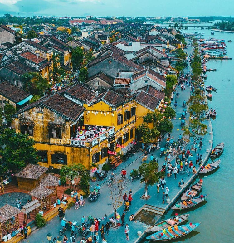 vé máy bay từ Tp Hồ Chí Minh đi Chu Lai