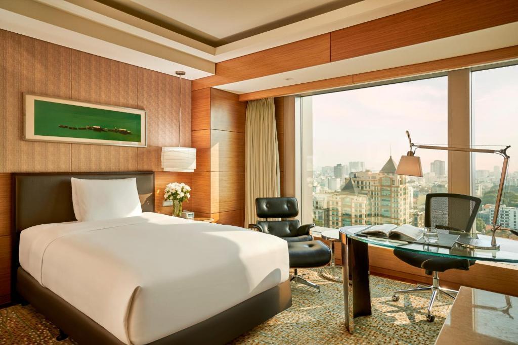 Phòng deluxe Khách sạn InterContinental Saigon