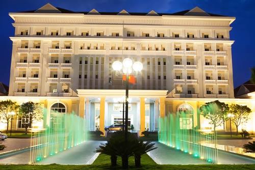 khách sạn tam kỳ - khách sạn ven sông bàn thạnh